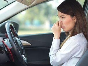 بوی بد اتومبیل